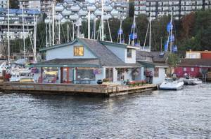Iconic Sleepless in Seattle house boat on Lake Union